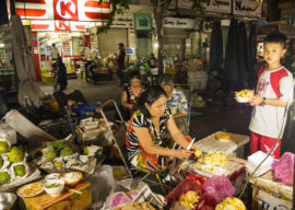 Educate the Children of Vietnamese Street Vendors